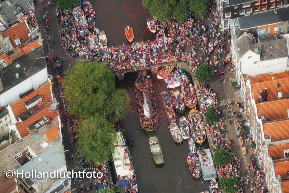 Luchtfoto Amsterdam Gay Pride